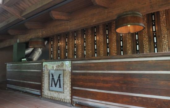 Bancone bar legno riciclato bancone bar siral in legno for Bancone birreria usato